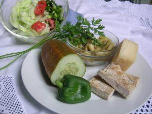 prehransko-uravnotezena-solata-za-vecerjo-1