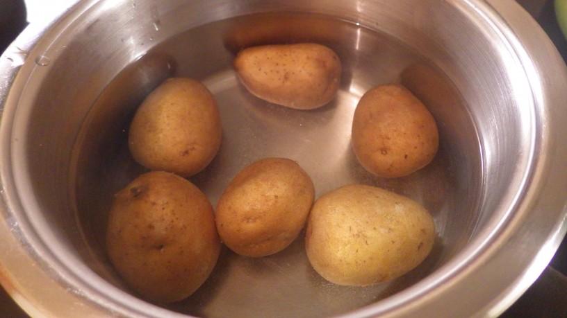 zelenjavna-pita-s-krompirjevo-skorjo