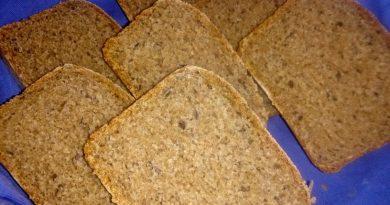 Zdrav polnozrnat kruh s semeni