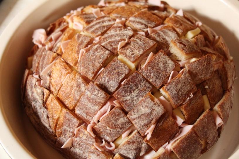 Kruh s cesnom, sirom in sunko - zvezda omizja (4)