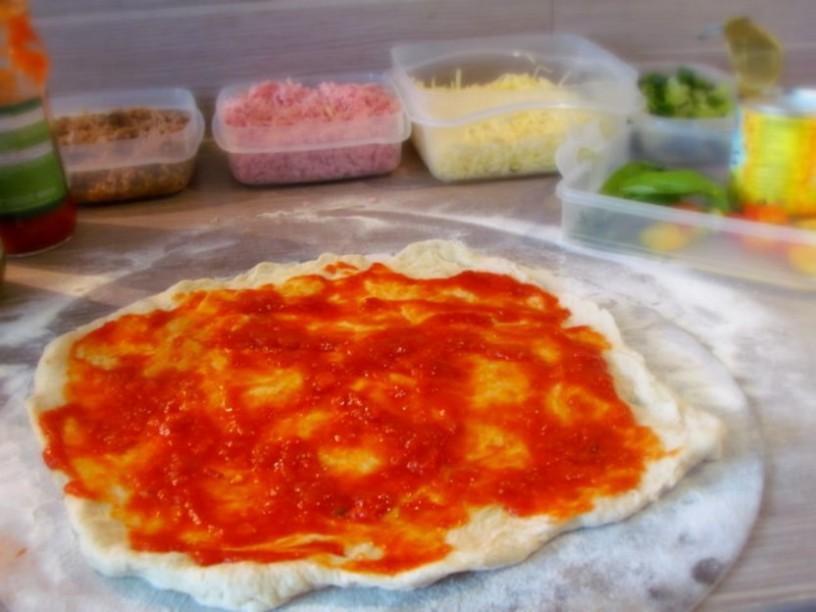 odlicna-pizza-s-testom-brez-genetenja-3
