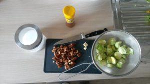 Pečen brstični ohrovt s pekan orehi