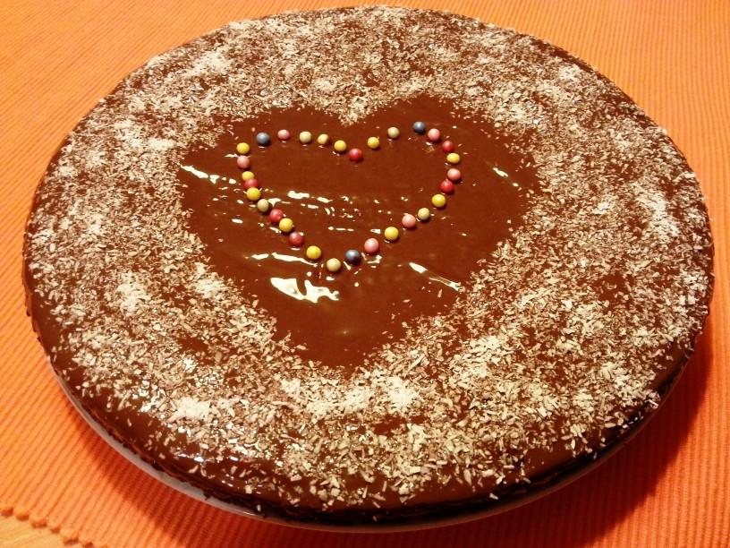 Cokoladna-torta-brez-mleka-in-jajc-11
