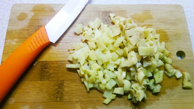 Vegetarijanska kislo pekoča juha