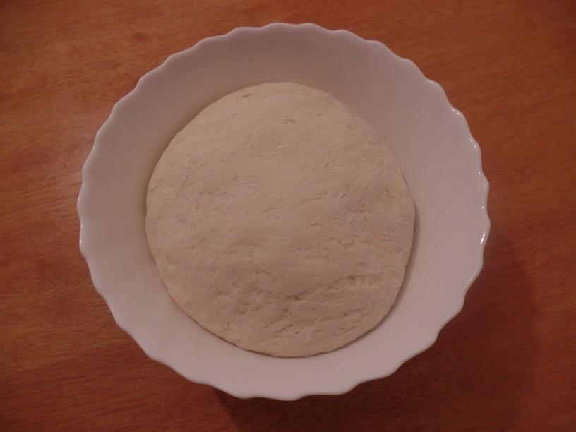 Polnjen velikonočni kruh