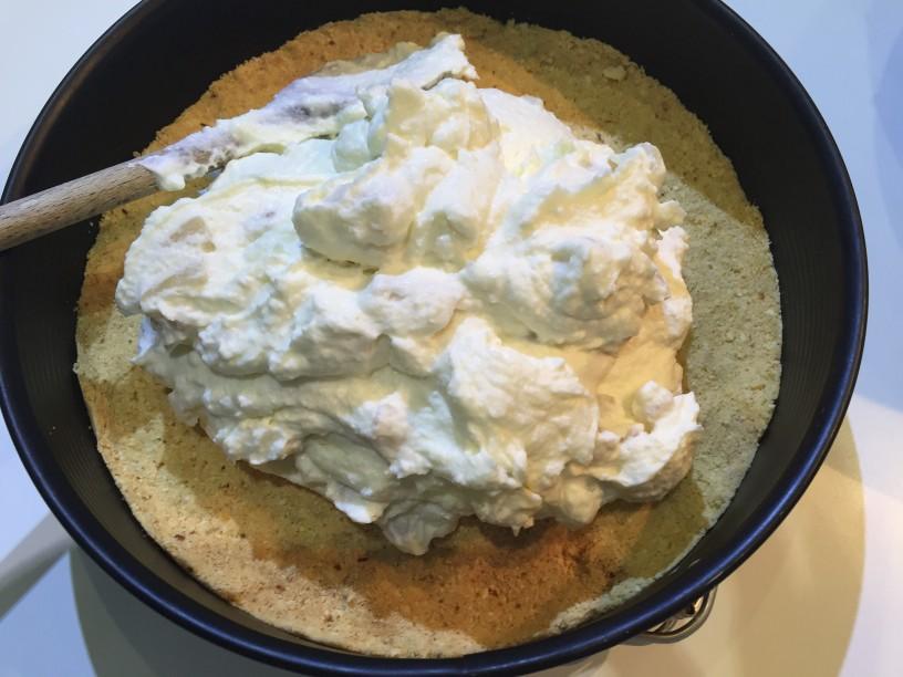 Skutin cheesecake s hruškami (22)