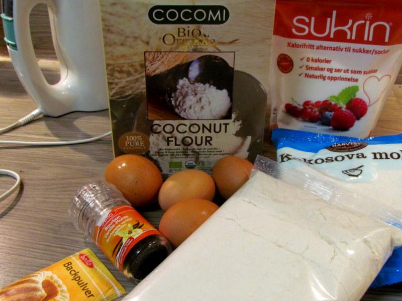 socne-kokosove-kocke-brez-moke-in-sladkorja-1