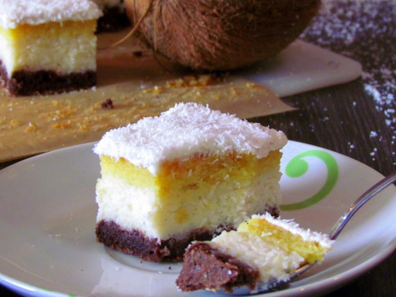 socne-kokosove-rezine-brez-moke-in-sladkorja-13