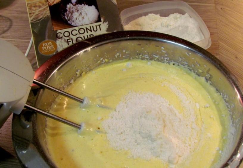 socne-kokosove-kocke-brez-moke-in-sladkorja-3