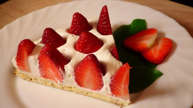 socna-skutina-pita-z-jagodami-11
