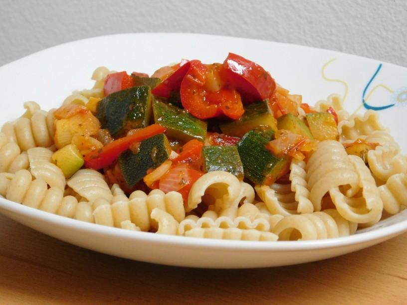zelenjavna-omaka-za-testenine (11)
