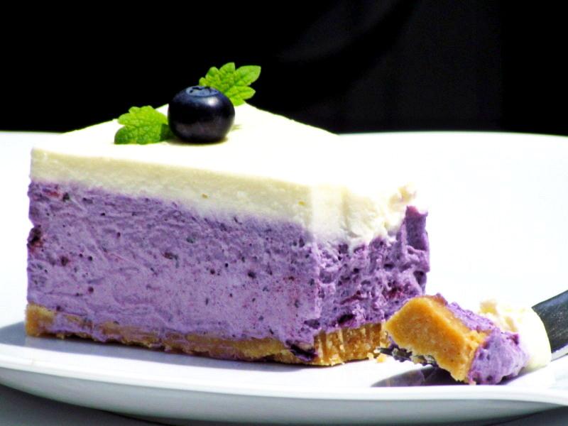 1-borovniceva-torta-brez-pecenja-12