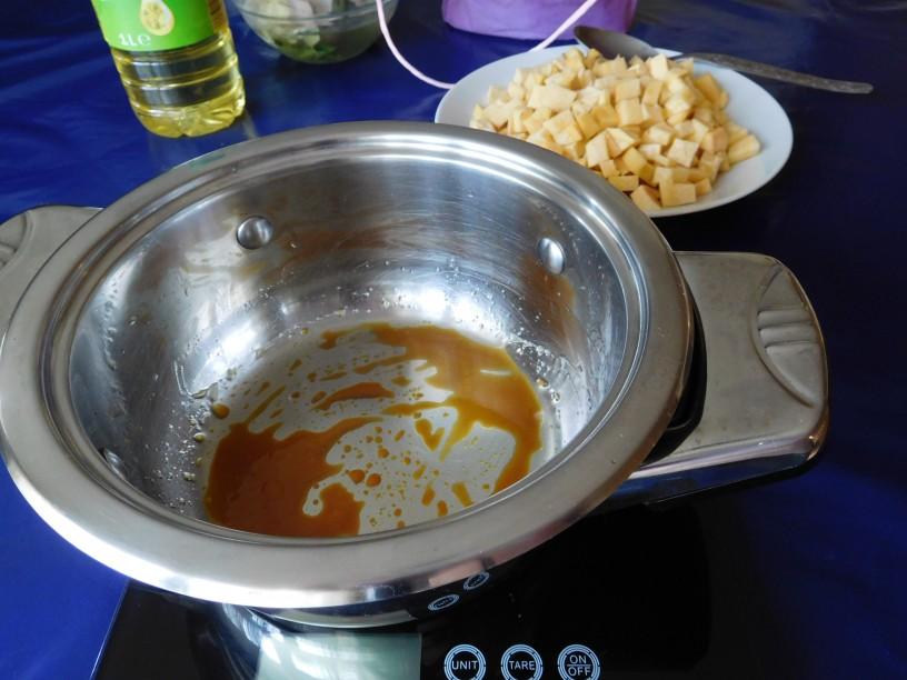 Zdrava rumena koleraba v omaki