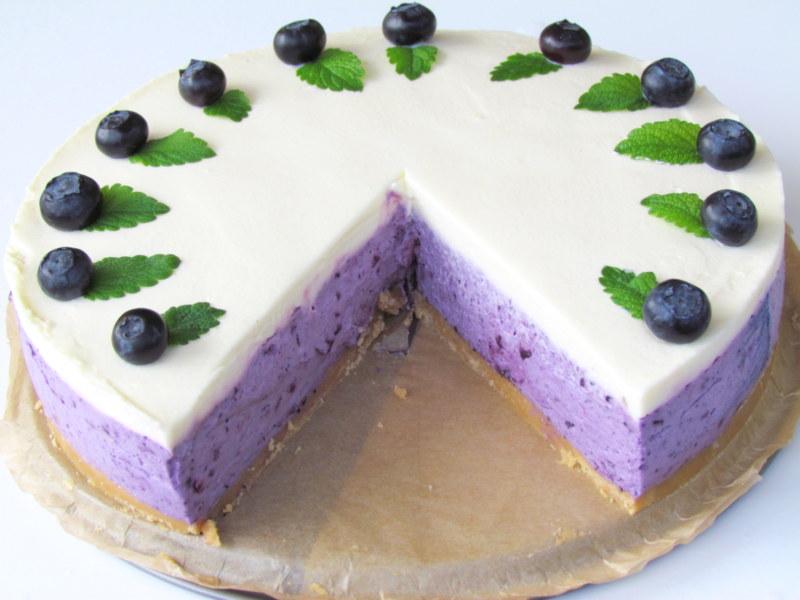 borovniceva-torta-brez-pecenja-9