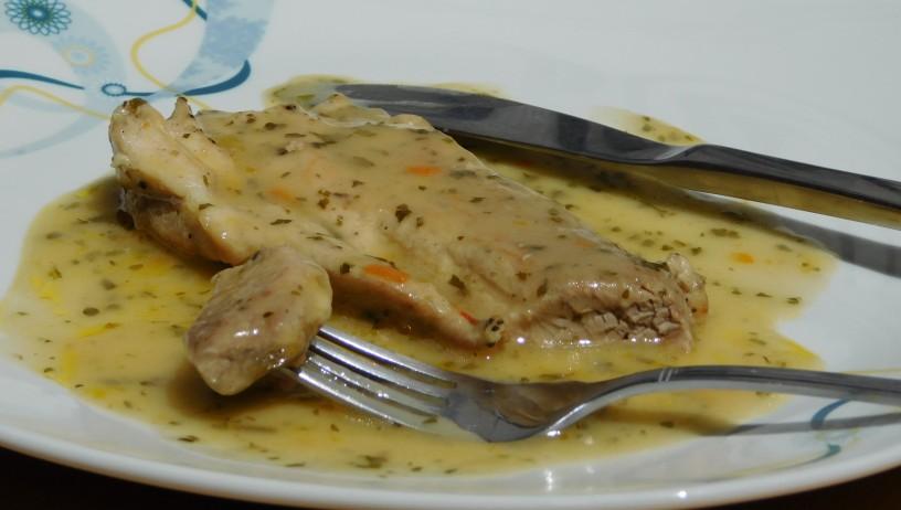 svinjski-zrezki-v-naravni-omaki (1)