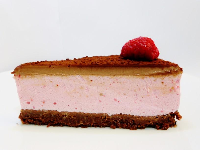 Čokoladno-malinina-torta-brez-pečenja-16