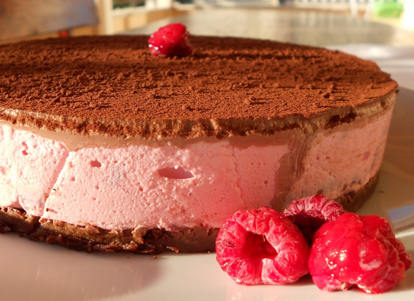Čokoladno-malinova-torta-brez-pečenja-17