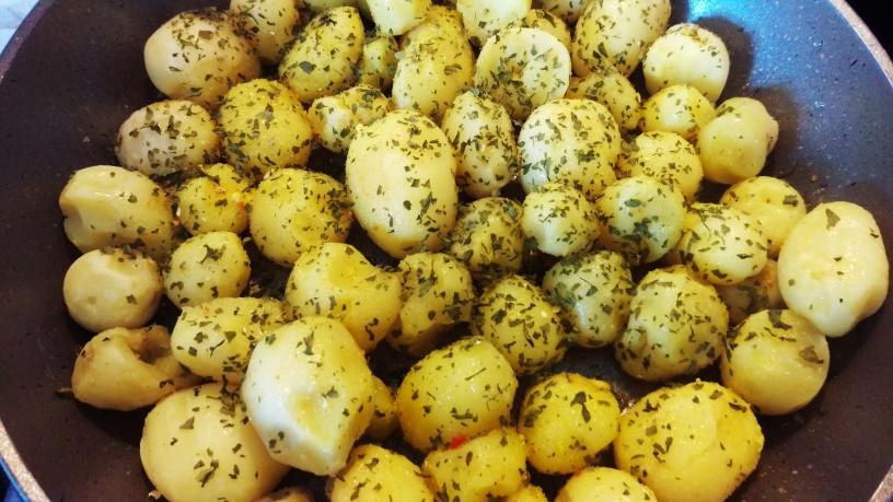 Mlad opečen krompir 4