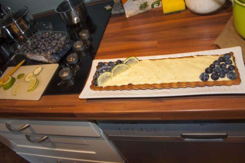 Poletna pita z borovnicami in limetino kremo_5