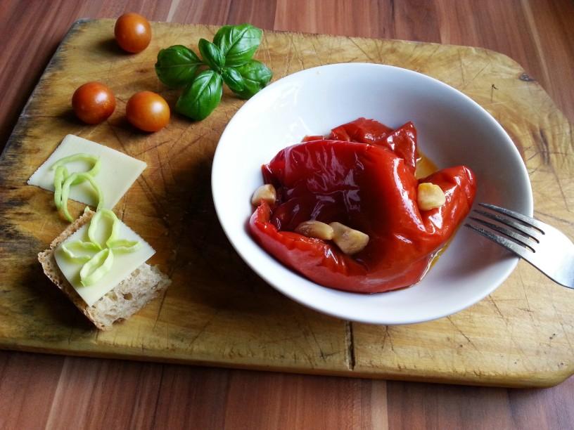 Vlozena-rdeca-paprika-s-cesnom-12