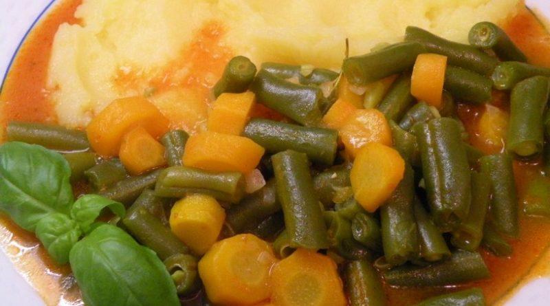 omaka-iz-strocjega-fizola-s-pire-krompirjem