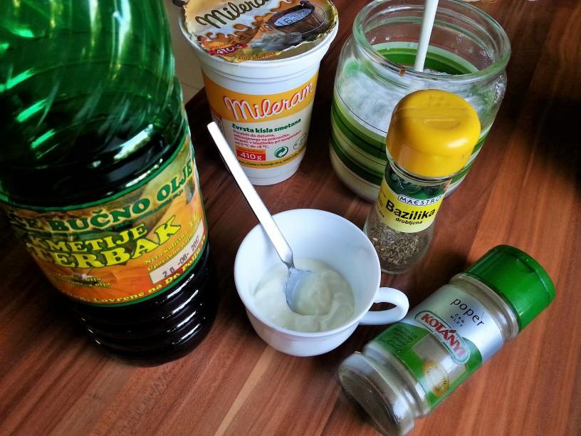 mesana-solata-z-bucno-jogurtovim-prelivom-6