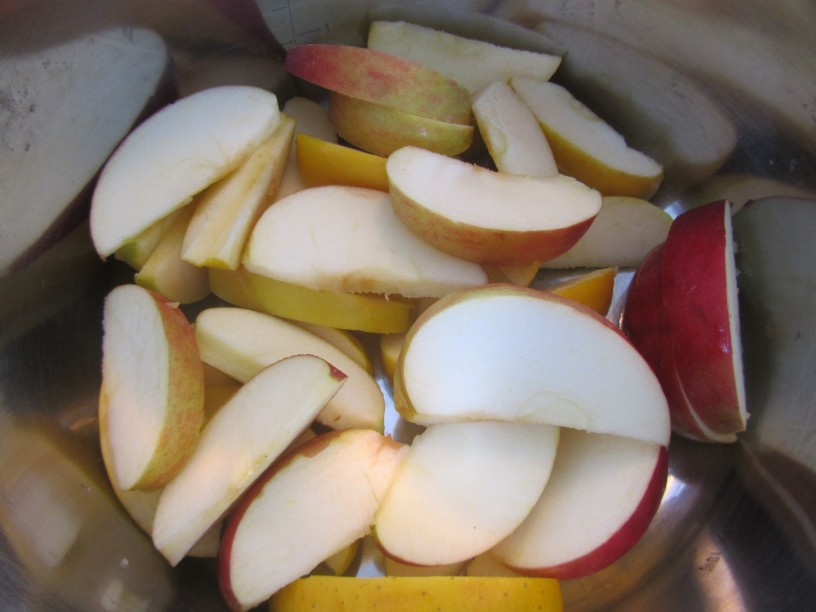 najenostavnejši kompot iz jabolk in češenj_3