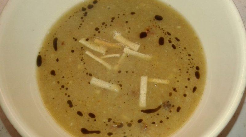Bučna juha z ocvirki