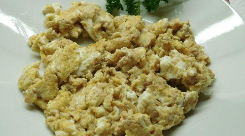 Slastna pečena  jetrna pašteta z jajci