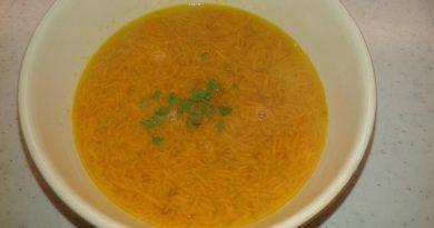 korenckova-juha-z-zdrobom