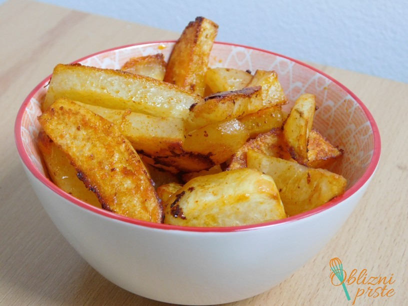pecen-krompir-z-dimljeno-rdeco-papriko-10