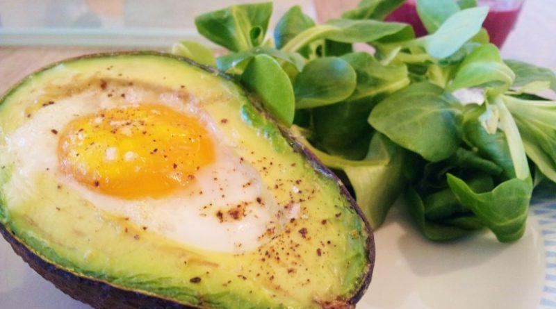 avokado-z-jajcem