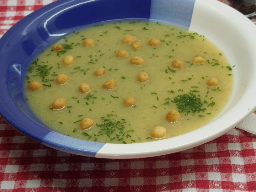 Slastna kremna bucna juha s krompirjem