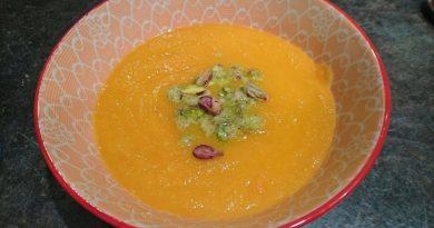 Drzna-korenkoca-juha-s-pistacijo-6