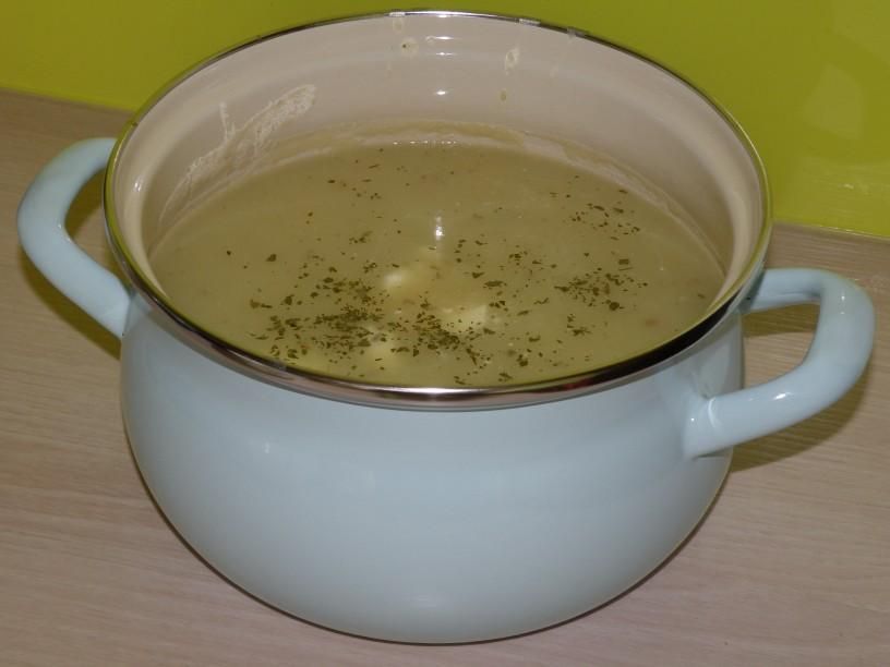 kraljevska-krompirjeva-juha