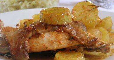 Kunčja stegna s krompirjem in jurčki v pečici