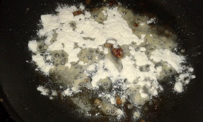 svinjski-zrezki-v-omaki-z-brusnicami