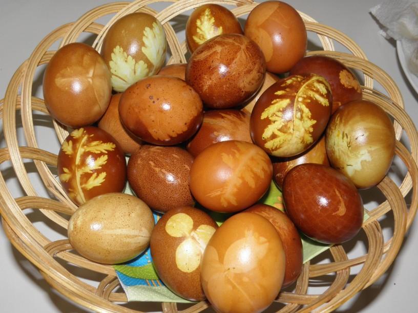 Barvanje jajčk na naraven način