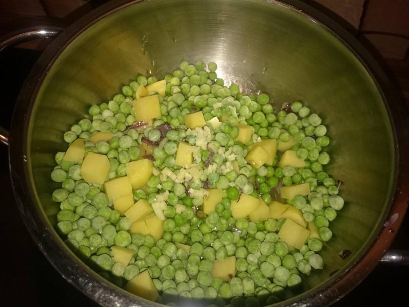 ladka in kremna grahova juha