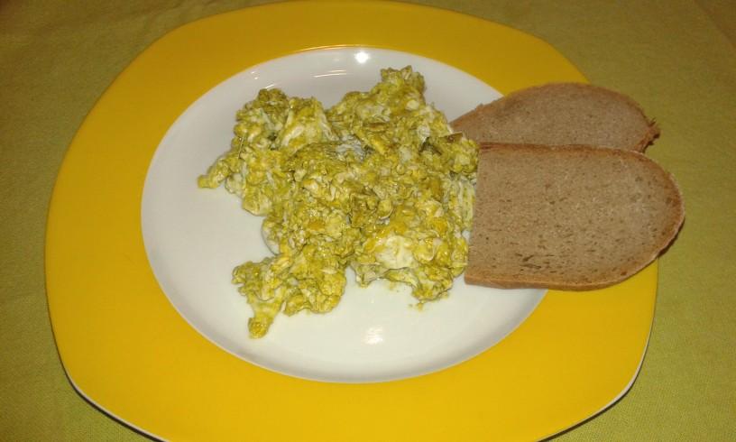 jajcka-v-bucnem-olju