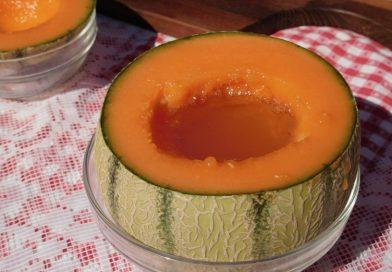 Melona z belim vinom