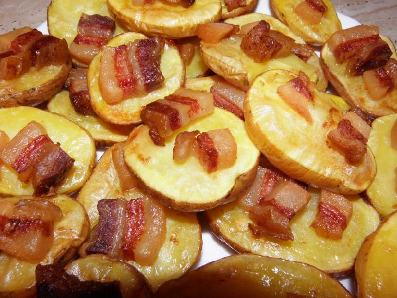 Pečen krompir s slanino