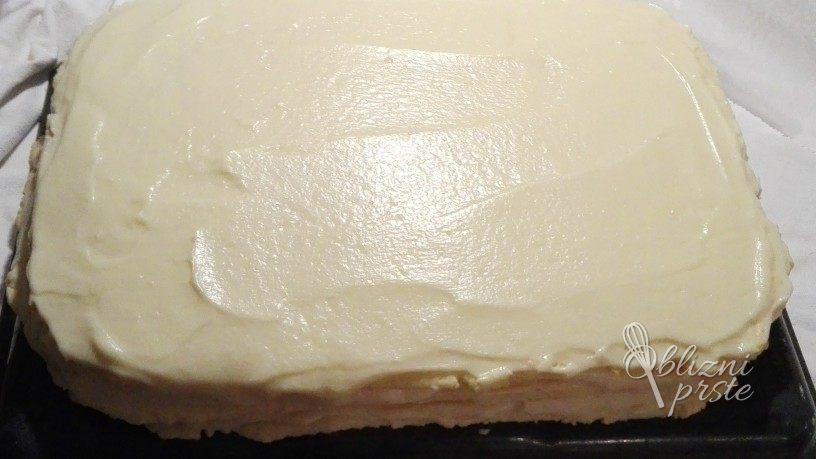 bela pita z mandlji