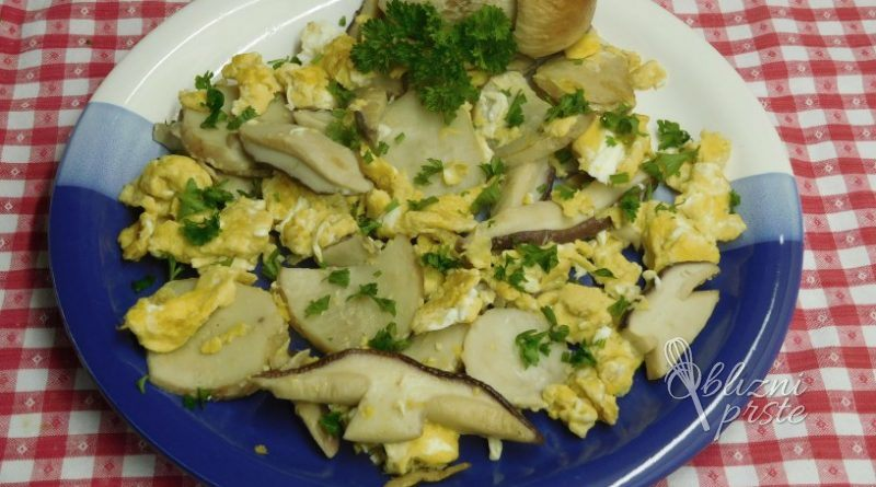 Jurčki, praženi z jajci