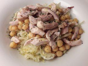Kislo zelje s čičeriko in piščancem – odlična večerja ali malica