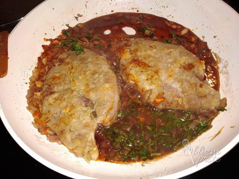 Slastna telecja jetra v omaki