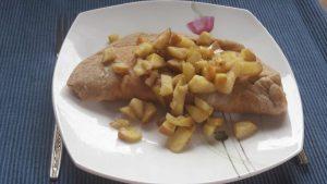 Mehka cimetova omleta z jabolki (vegansko)