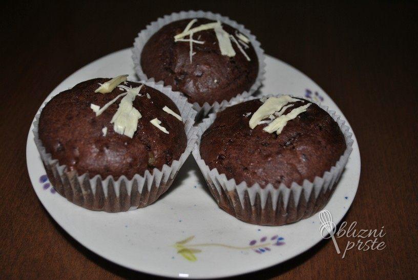 slastni-cokoladni-mafini-s-kandiranimi-pomarancami