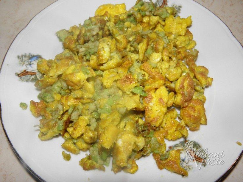 Umešana jajca z avokadom 4
