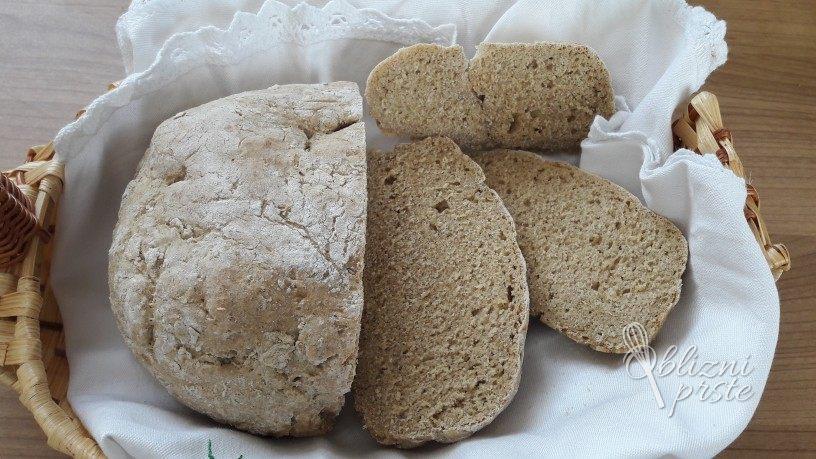 ržen kruh brez vzhajanja